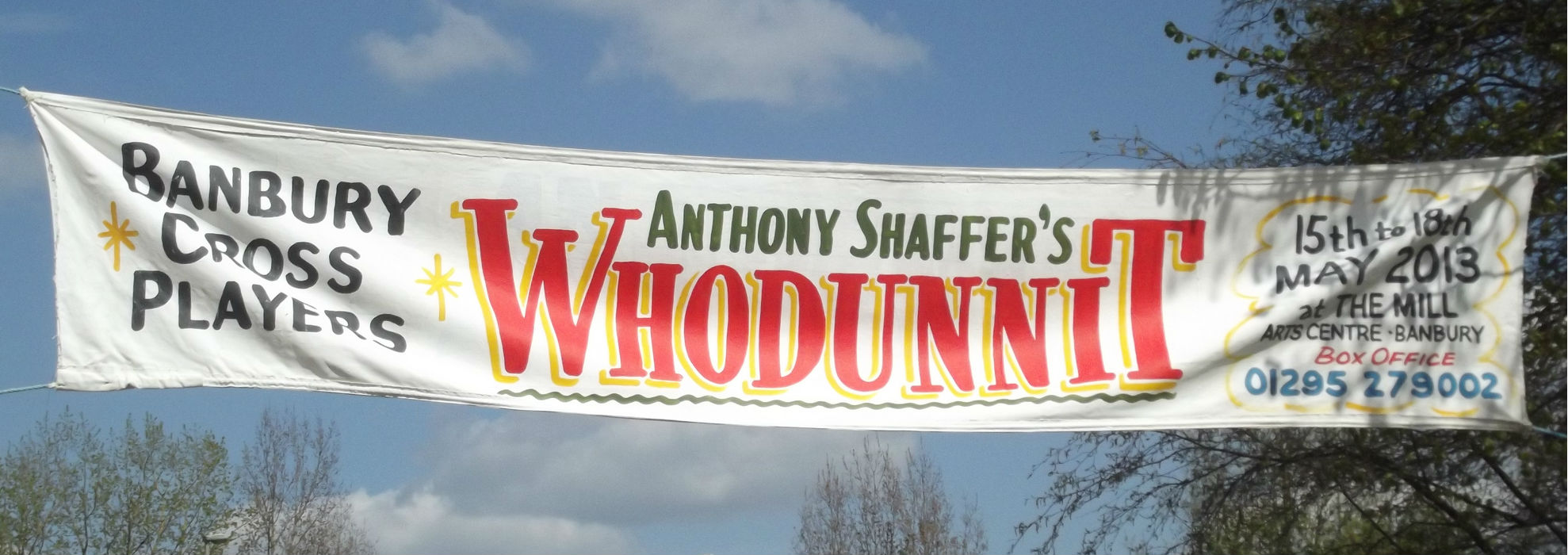 ¨Oxford Canal - Banbury - sign - Whodunnit¨ photo (trimmed) by Elliott Brown, CC by 2.0